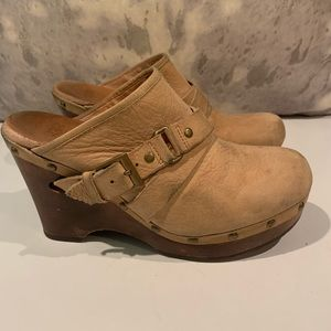"""WELL LOVED WOOD/SUEDE UGG 3.5"""" MULES-need cleaning"""